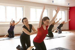 Andrea Meier coacht Kundin in einer CANTIENICA-Lektion